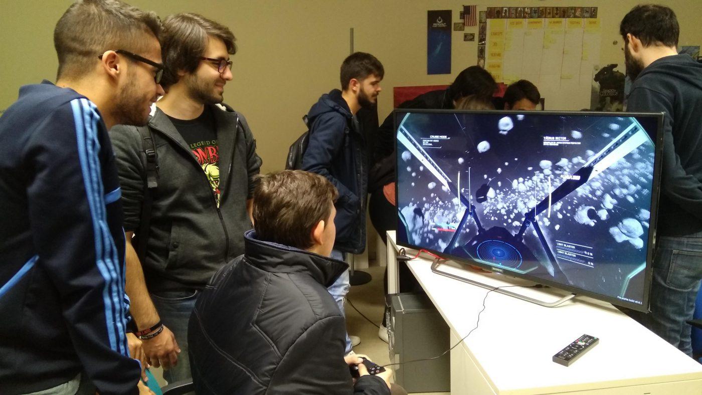 visita-a-los-estudios-dual-mirror-games-y-gunstar-studio-1.jpg