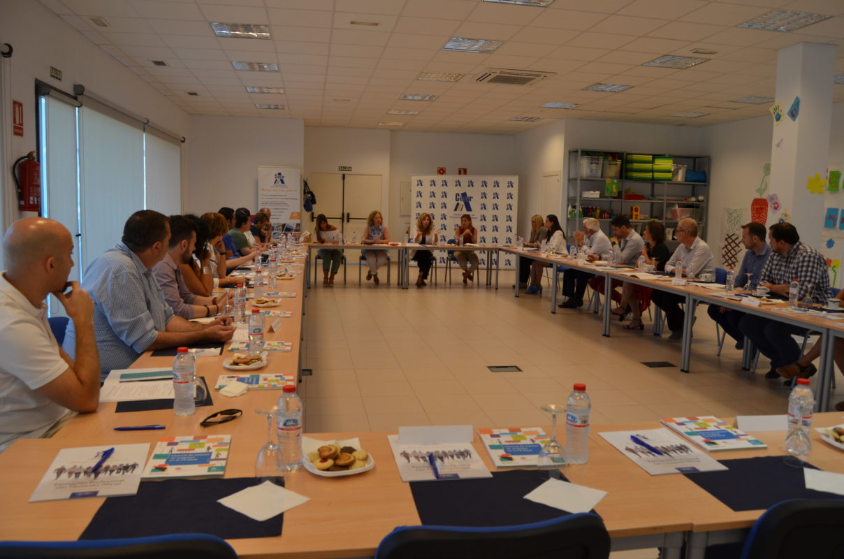 Encuentro en Cesur CTM de empresas participantes en FP Dual